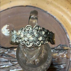Jewelry - Vintage Silver Bracelet